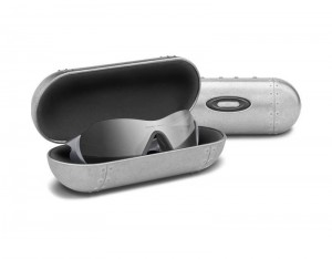Oakley Large Metal Vault etui na okulary 07-255
